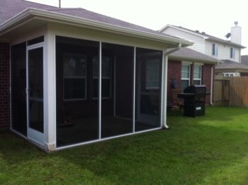 Enclosed covered patio in houston lone star patio builder for Patio screen enclosures prices